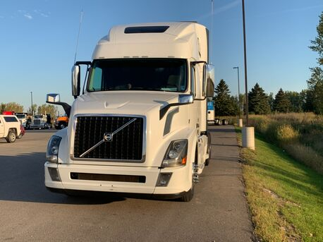 2016_Volvo_670_Raised Roof_ Eau Claire MN