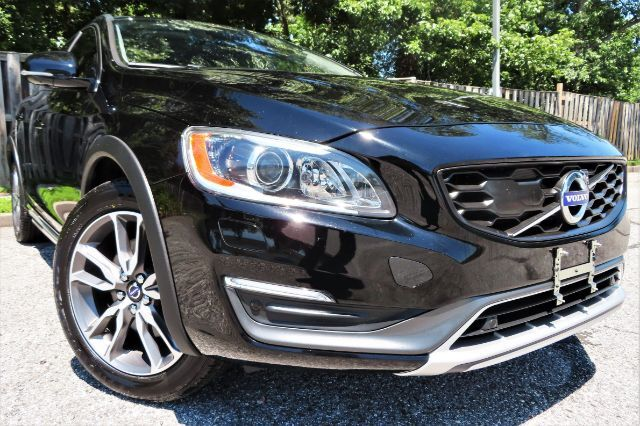 2016 Volvo V60 Cross Country T5 Platinum