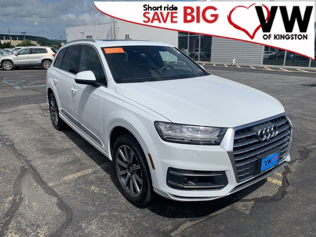 2017_Audi_Q7_3.0T Prestige quattro_ Kingston NY