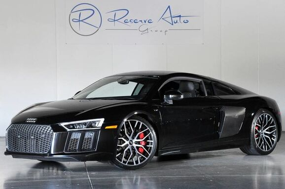 2017_Audi_R8 Coupe_V10 Quattro S-Tronic Carbon Fiber Dynamic Steering_ The Colony TX