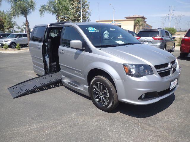 2017 BraunAbility Dodge Grand Caravan CompanionVan Plus XT Anaheim CA