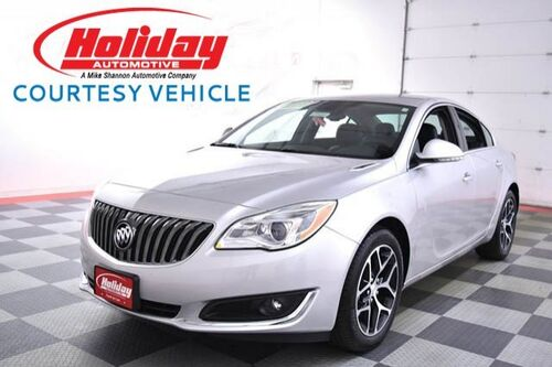 2017_Buick_Regal_Sport Touring_ Fond du Lac WI