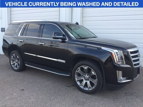 2017_Cadillac_Escalade_Base_ Mercedes TX