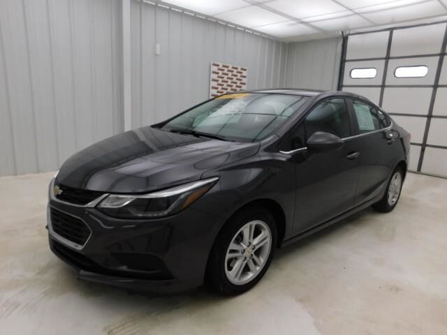2017 Chevrolet Cruze 4dr Sdn 1.4L LT w/1SD Manhattan KS