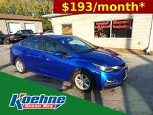 2017_Chevrolet_Cruze_4dr Sdn 1.4L LT w/1SD_ Green Bay WI