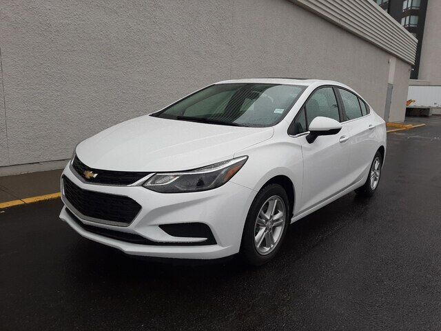 2017 Chevrolet Cruze LT-REM START-HEAT CLOTH-CAMERA-SUNROOF Calgary AB