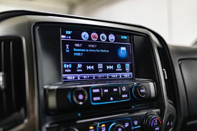 2017 Chevrolet Silverado 1500 4x4 Crew Cab LT Z71 Leather BCam Red Deer AB