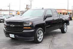 2017_Chevrolet_Silverado 1500_Custom_ Fort Wayne Auburn and Kendallville IN