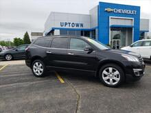 2017_Chevrolet_Traverse_LT w/1LT_ Milwaukee and Slinger WI