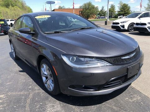2017_Chrysler_200_200S_ Evansville IN