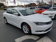 2017_Chrysler_200_Limited Platinum_ Hamburg PA