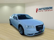 2017_Chrysler_300_300C RWD_ Wichita Falls TX