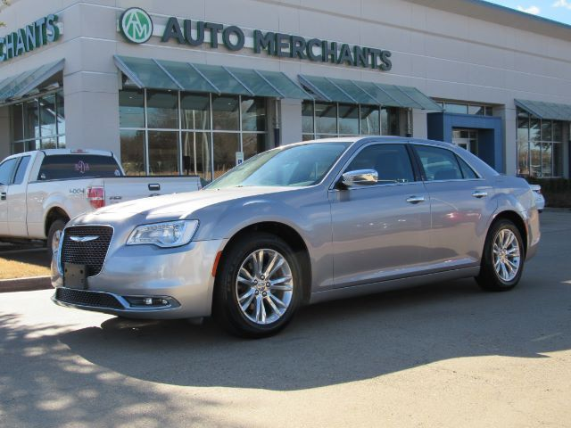 2017 Chrysler 300 C RWD  PANORAMIC SUNROOF, NAVIGATION, HEATING AND COOLING FRONT SEATS, HEATING REAR SEATS Plano TX