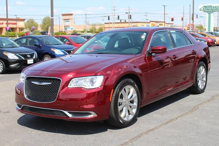 2017 Chrysler 300 Limited Fort Wayne Auburn and Kendallville IN