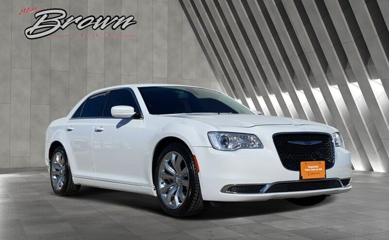 2017 Chrysler 300 Limited Granbury TX