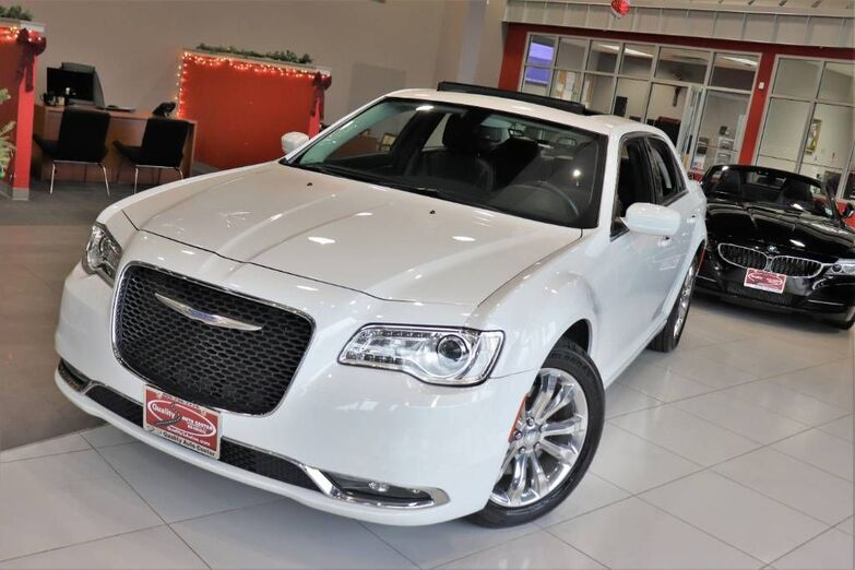2017 Chrysler 300 Limited Panoramic Roof Navigation Value Package 1 Owner Springfield NJ