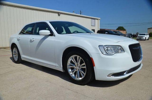 2017 Chrysler 300 Limited Wylie TX