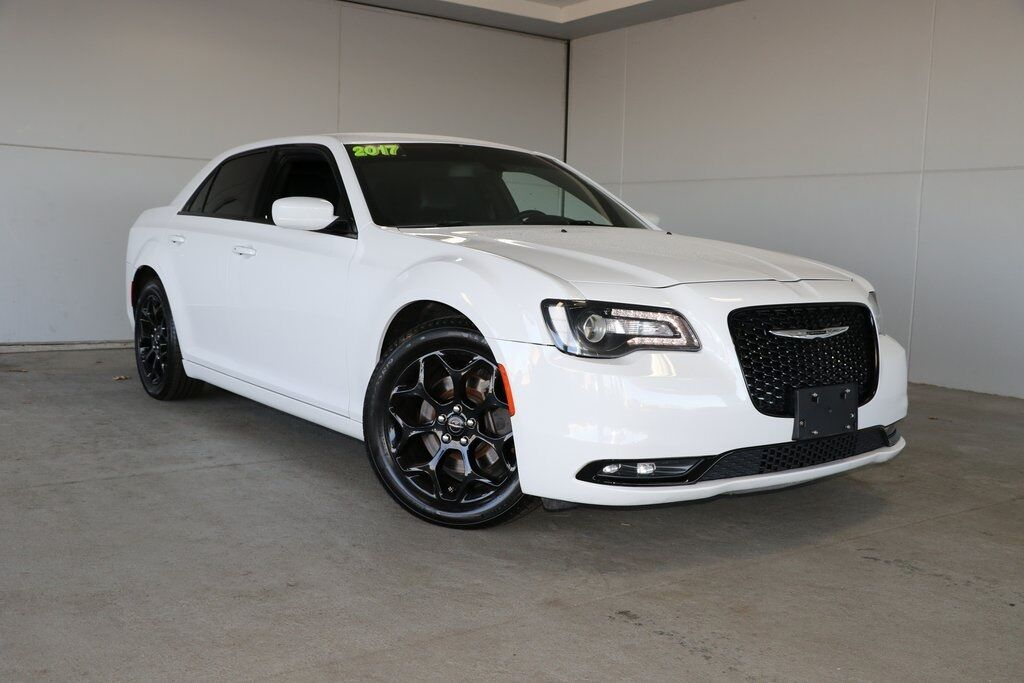 2017 Chrysler 300 S Merriam KS