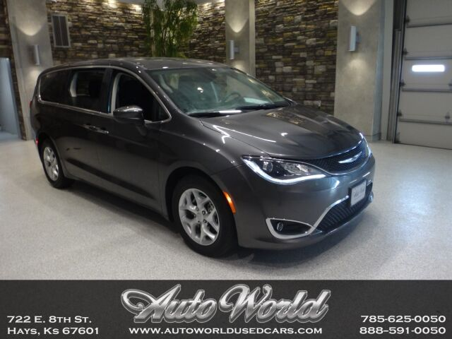 2017 Chrysler PACIFICA TOURING PLUS  Hays KS