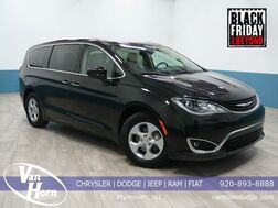 2017 Chrysler Pacifica Hybrid Touring Plus