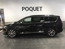 2017_Chrysler_Pacifica_Limited_ Golden Valley MN