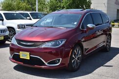 2017_Chrysler_Pacifica_Limited_ Houston TX