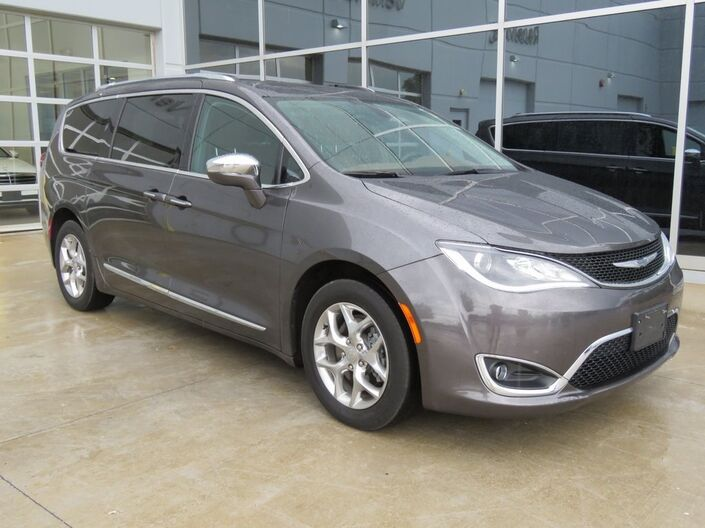2017 Chrysler Pacifica Limited Kansas City MO