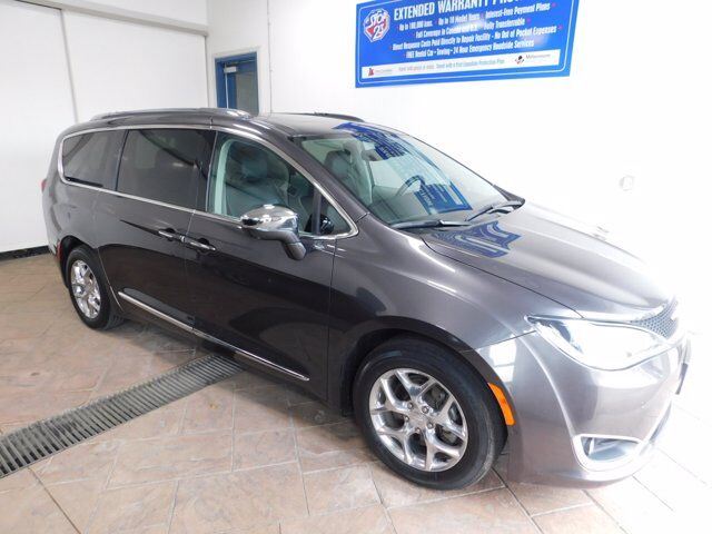 2017 Chrysler Pacifica Limited LEATHER NAVI SUNROOF Listowel ON