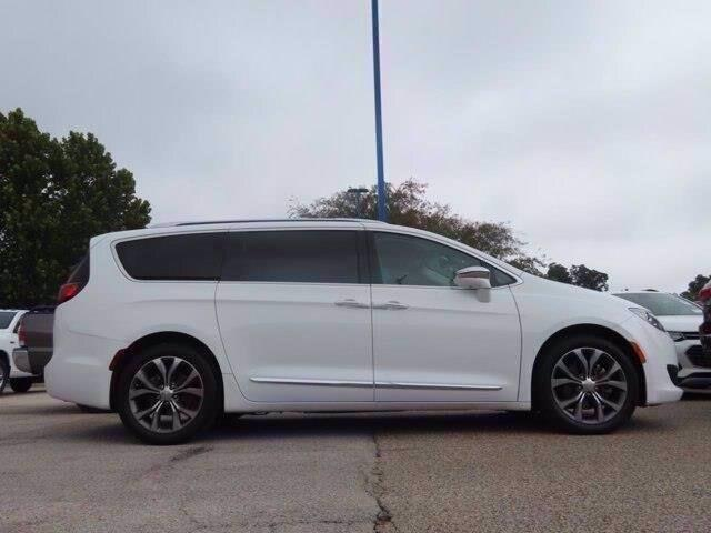 2017 Chrysler Pacifica Limited Lampasas TX