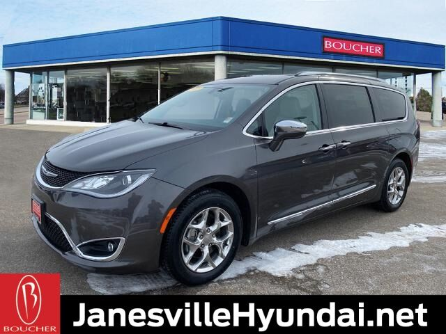 2017 Chrysler Pacifica Limited Janesville WI
