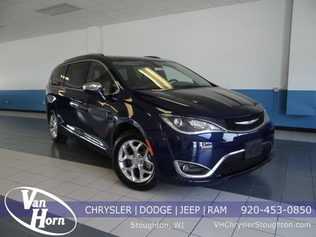 2017 Chrysler Pacifica Limited Plymouth WI