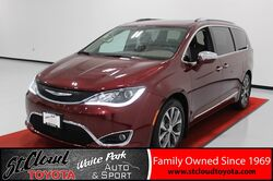 2017_Chrysler_Pacifica_Limited_ St. Cloud MN