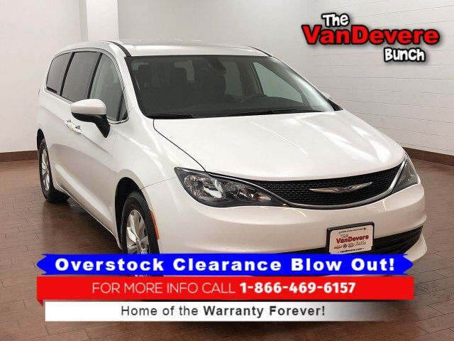 2017 Chrysler Pacifica Touring Akron OH