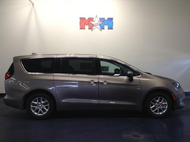 2017 Chrysler Pacifica Touring FWD Christiansburg VA