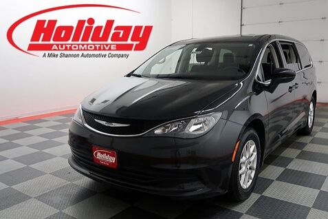 2017_Chrysler_Pacifica_Touring_ Fond du Lac WI