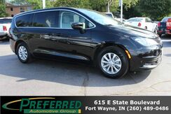 2017_Chrysler_Pacifica_Touring_ Fort Wayne Auburn and Kendallville IN