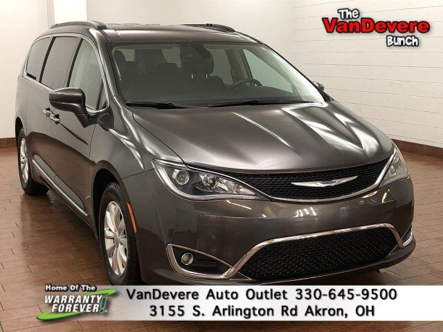 2017 Chrysler Pacifica Touring-L Akron OH