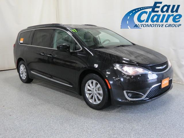 2017 Chrysler Pacifica Touring-L FWD Altoona WI