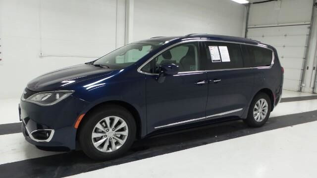 2017 Chrysler Pacifica Touring-L FWD Topeka KS