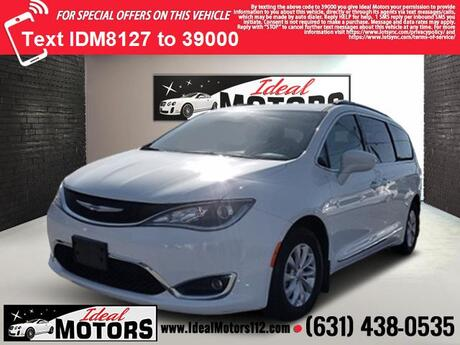 2017 Chrysler Pacifica Touring-L FWD Medford NY