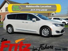 2017_Chrysler_Pacifica_Touring-L_ Fishers IN