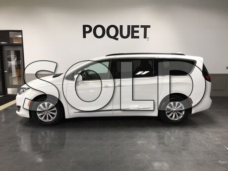 2017 Chrysler Pacifica Touring-L Golden Valley MN