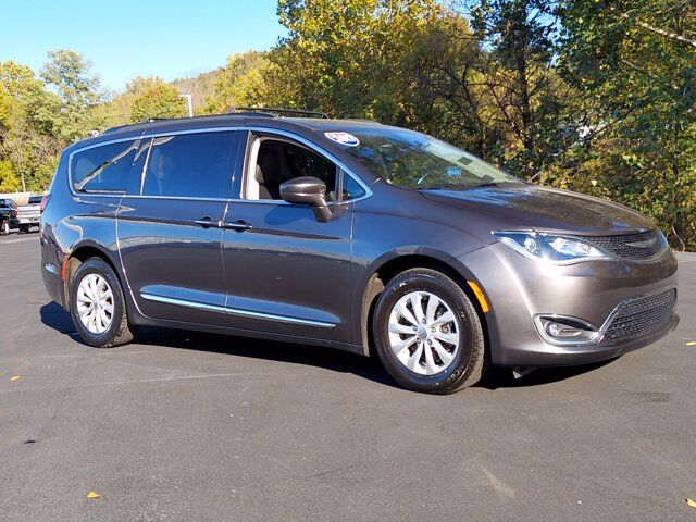 2017 Chrysler Pacifica Touring-L Hamburg PA