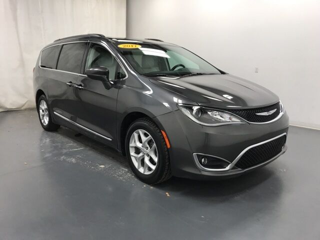 2017 Chrysler Pacifica Touring L Holland MI