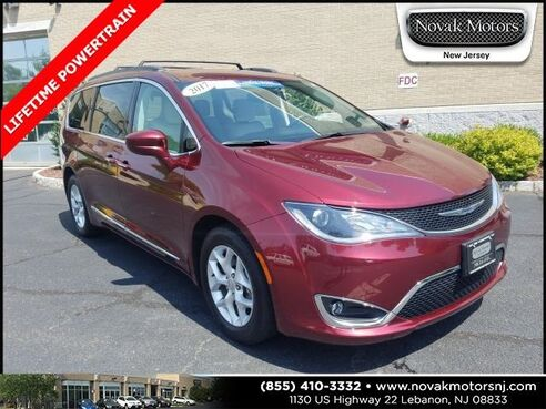 2017_Chrysler_Pacifica_Touring L_ Lebanon NJ