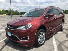 2017_Chrysler_Pacifica_Touring-L_ Little Rock AR