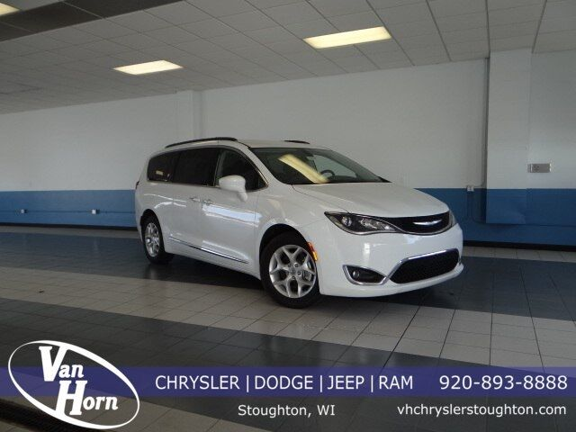 2017 Chrysler Pacifica Touring L Milwaukee WI