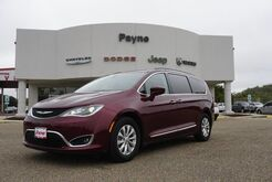 2017_Chrysler_Pacifica_Touring-L_ Mission TX