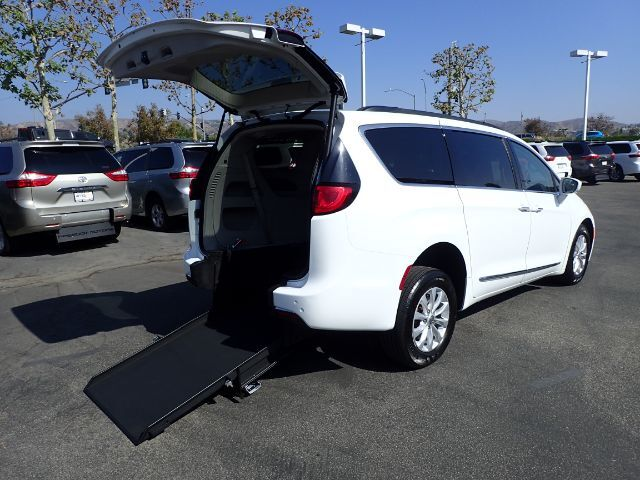 2017 Chrysler Pacifica Touring-L Mobility Anaheim CA