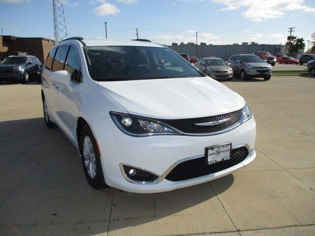2017 Chrysler Pacifica Touring-L Peoria IL